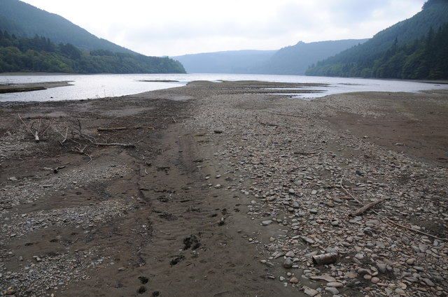 Exposed shoreline, Lake Vyrnwy