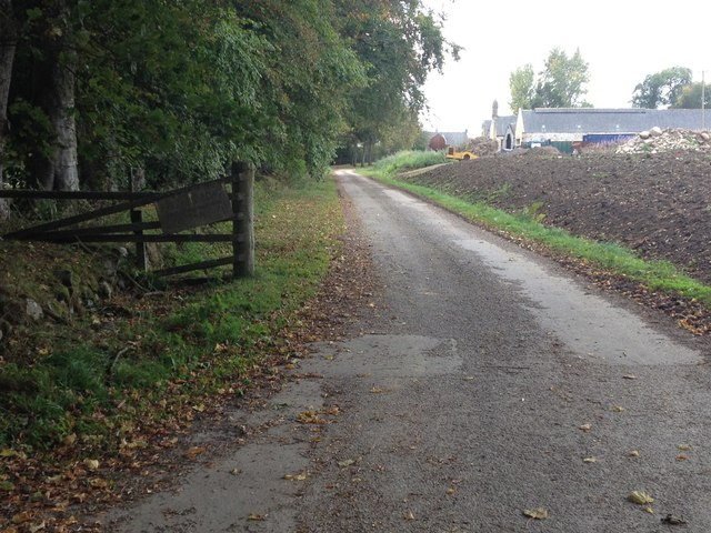 Farm road to Mains of Foulis