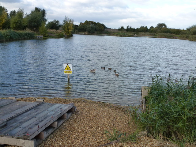 Private fishing pit near Sawtry