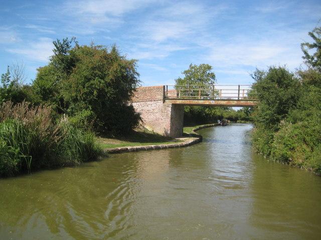 Grand Union Canal: Bridge Number 118