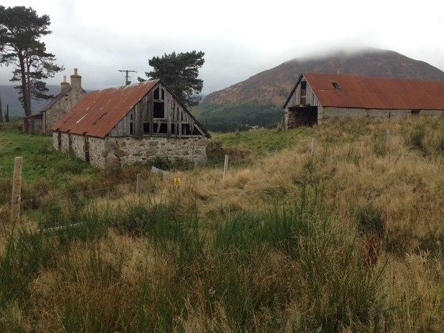 Ruined croft near Balnarge