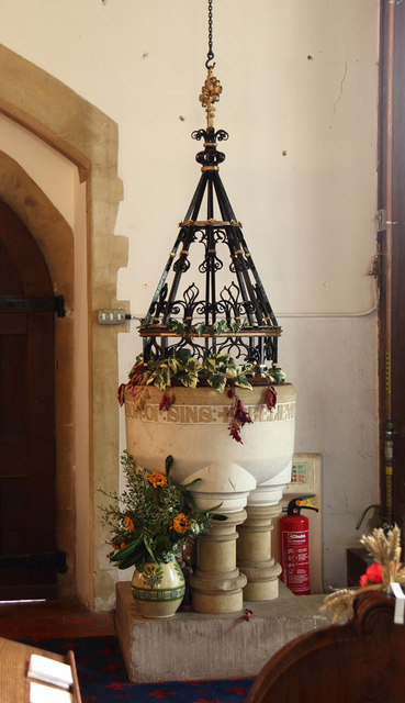 St Peter, Great Totham - Font