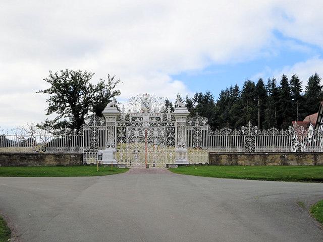 Davies Gates - Chirk Castle