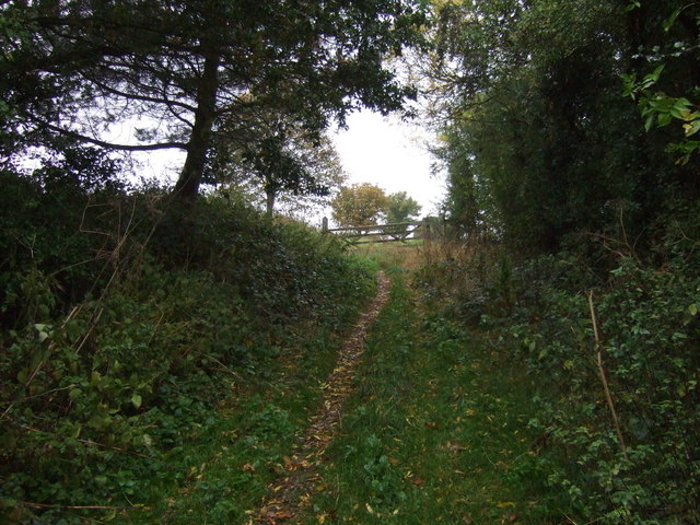 Track (footpath) off Aveland Way