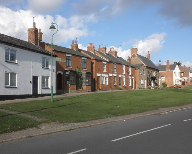 Houses on the village green, Braunston