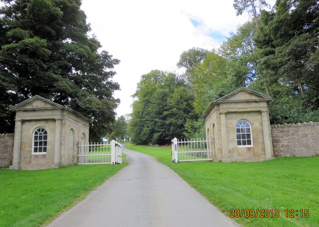 New Hall Gates to Chirk Park