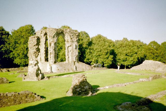 Neath Abbey, choir