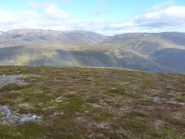 Summit plateau of Carn na Drochaide