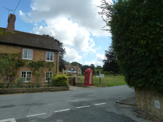 Road junction in Nether Compton