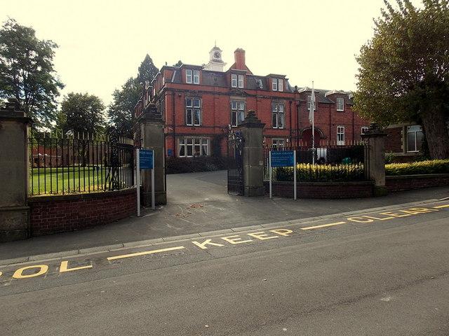 Main entrance to Wrekin College, Wellington