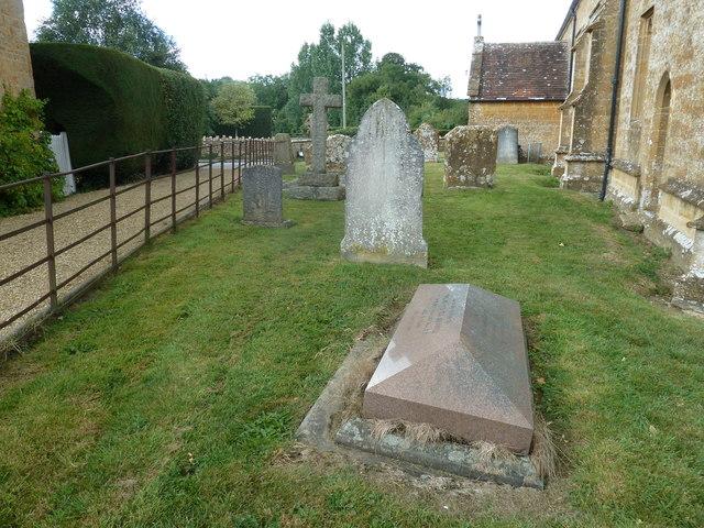 St Nicholas, Nether Compton: churchyard (2)