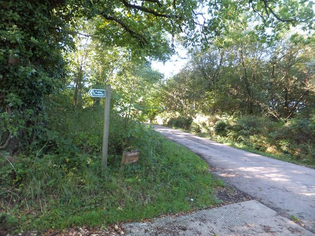 Footpath sign for Woodscombe