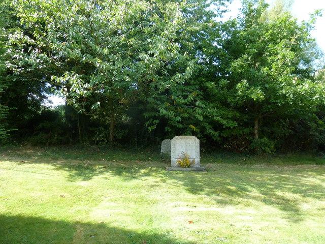 Oborne: New St Cuthbert's (churchyard 6)