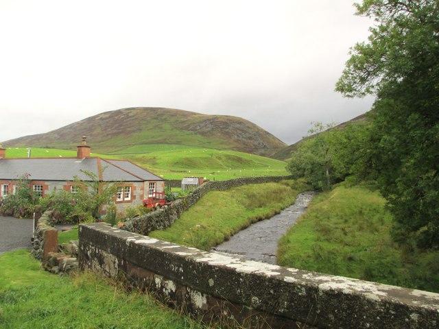Cample Water seen from Burn Bridge