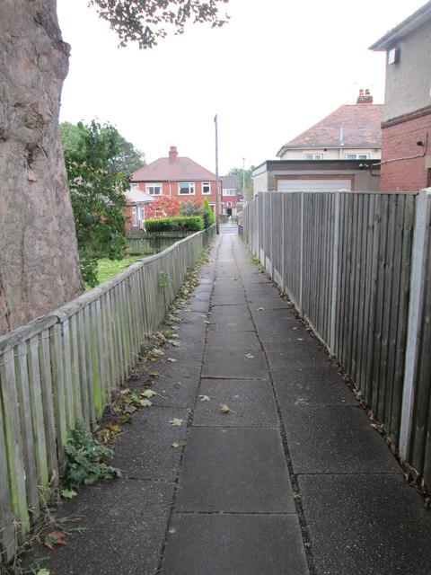 Footpath - Queen Elizabeth Street