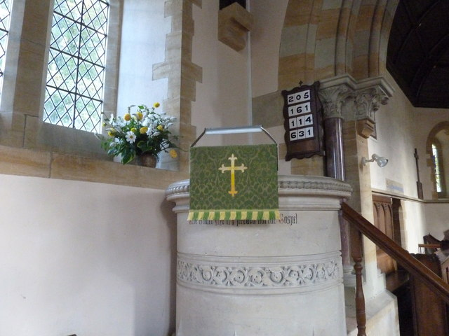 Oborne: New St Cuthbert's (pulpit)