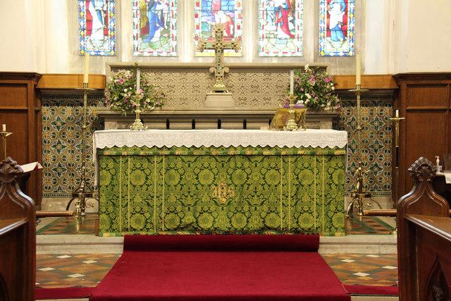 St Andrew, Hatfield Peverel - Sanctuary