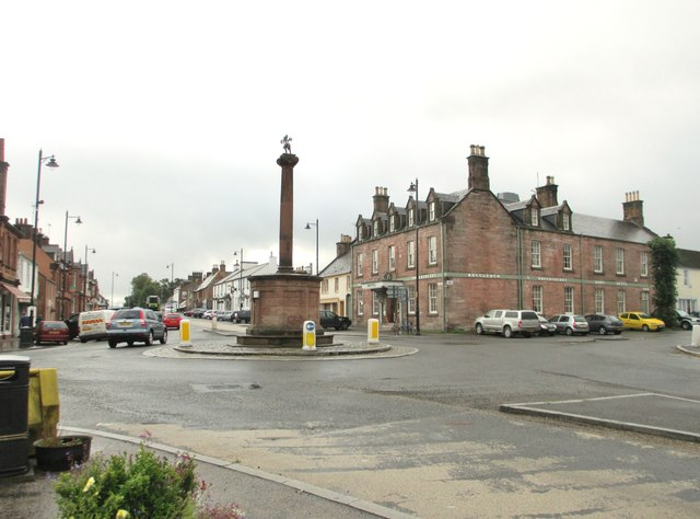 Crossroads in the centre of Thornhill