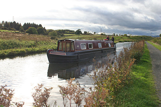 Narrowboat near Tamfourhill