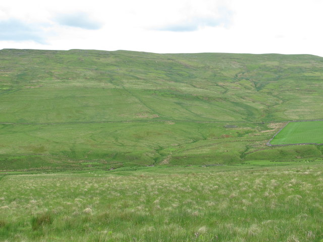 The valley of Cottonshope Burn around Cow Cleugh
