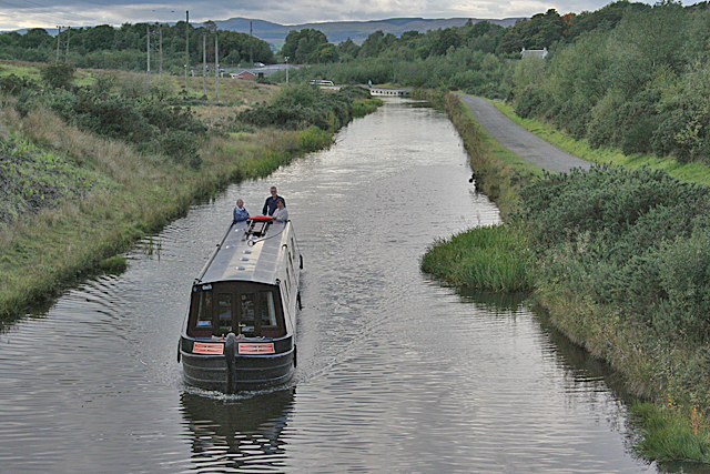Approaching Narrowboat