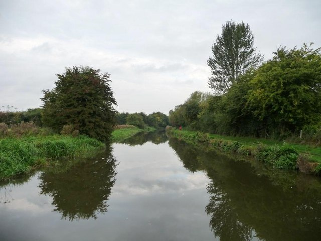 Still waters on the Kennet & Avon canal