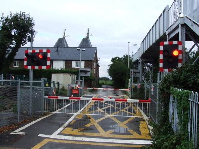 Level Crossing by Teynham Station