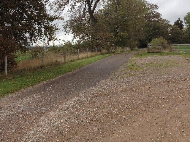 Farm road to Treeton
