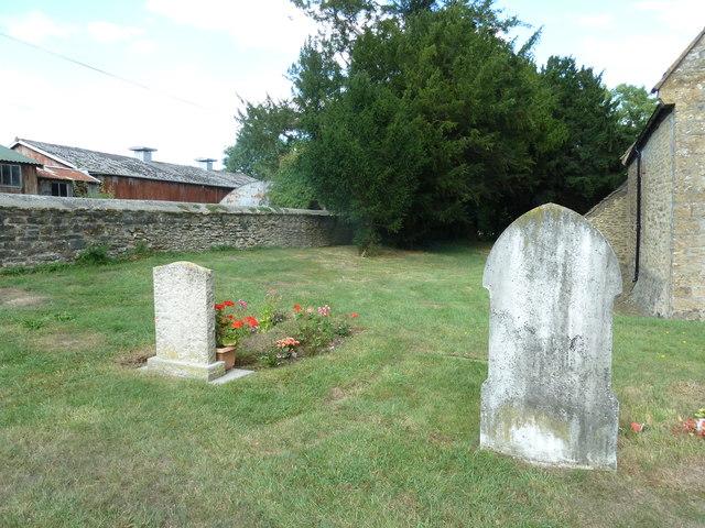 Saint Peter, Goathill: churchyard (d)
