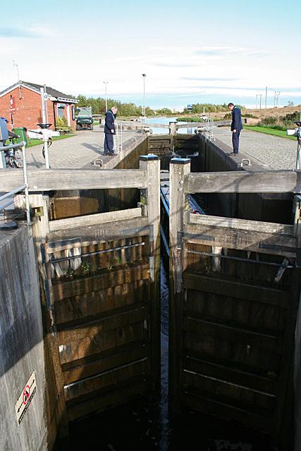 Filling the Upper Lock