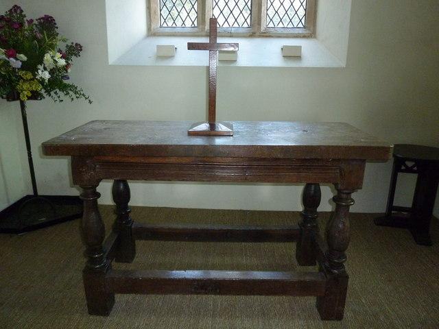 Saint Peter, Goathill: altar