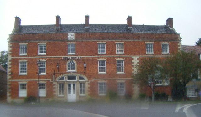 The Greyhound (apartments), Folkingham