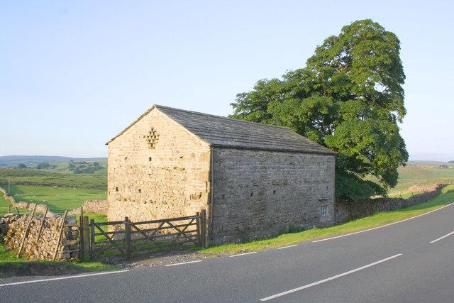Barn on south side of Blea Moor Road