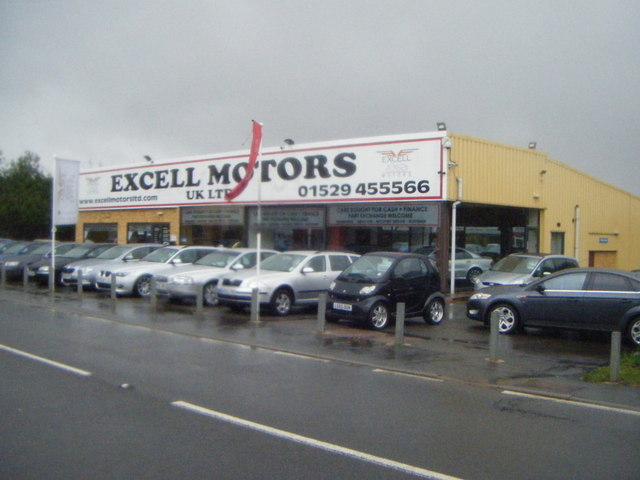 Car dealers on London Road, Osbournby