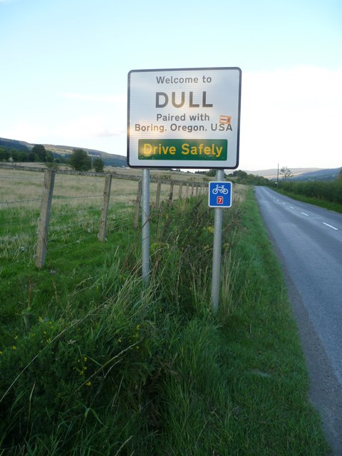Dull road sign, B846