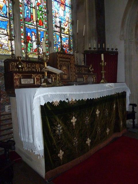 St. Andrew, Monkton Wyld: altar