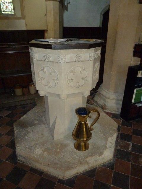 St. Andrew, Monkton Wyld: font