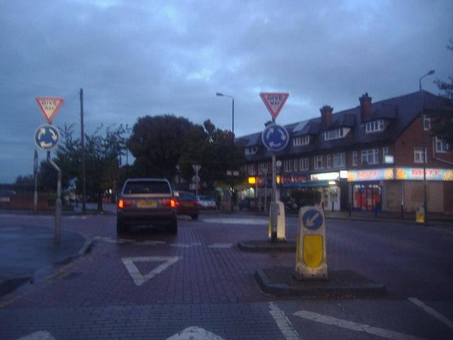 Mini roundabout on Sutton Common Road