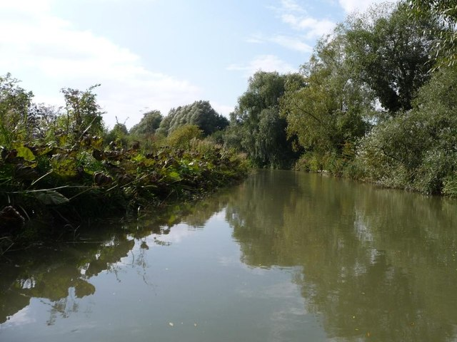 Kennet & Avon canal, looking west