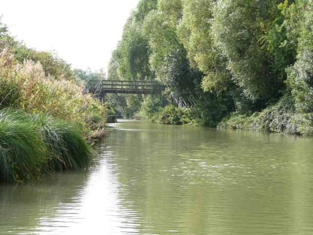 Replacement footbridge, Kennet & Avon canal