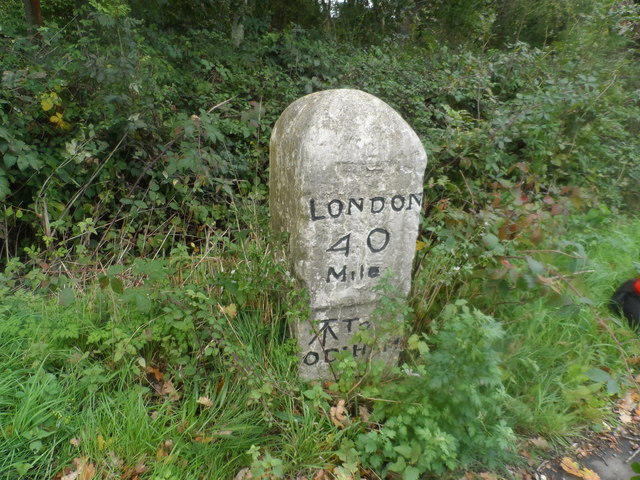 Milestone on the B3016