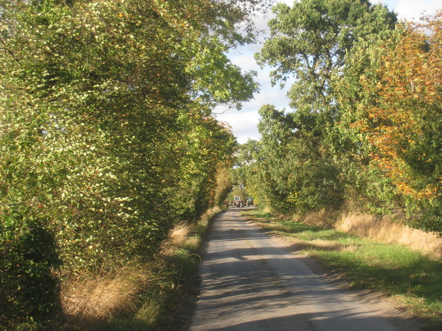 Approaching Manor Farm
