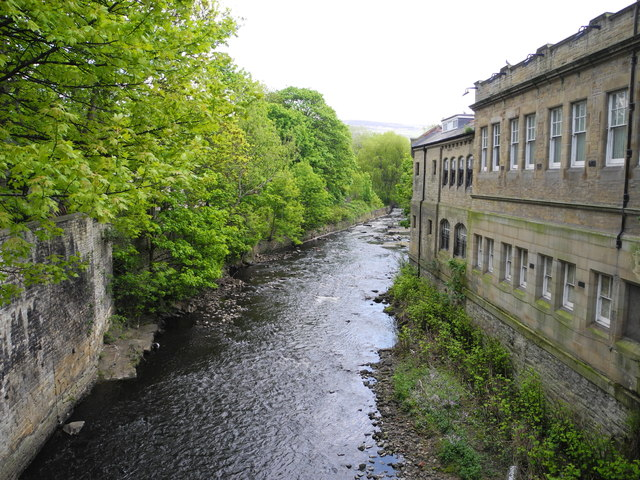 River Tame, Stalybridge