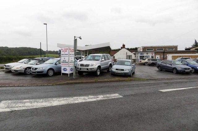 S D Timmo Car Sales on Eynsham Road