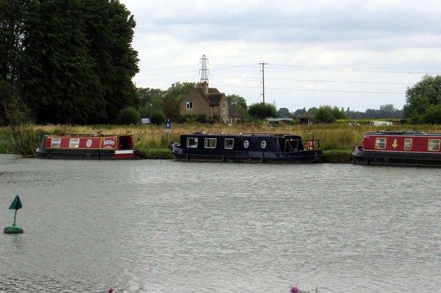 Narrowboats moored near Pinkhill Lock