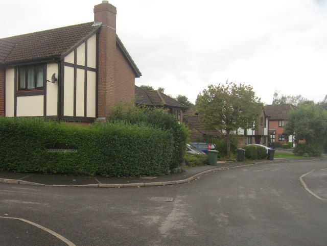 Roseberry Close / Maplehurst Chase