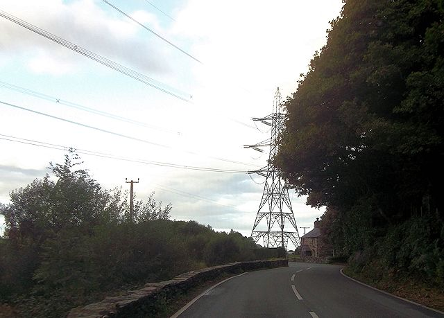 Power lines approaching Cilfor