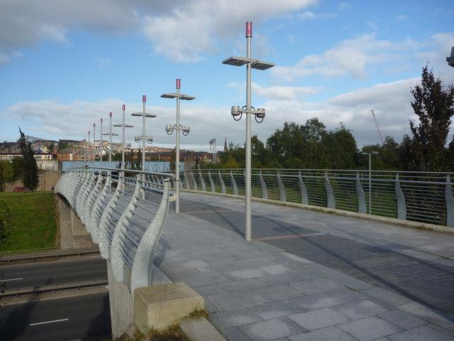Glasgow Townscape : Footbridge Between Partick And The Riverside Museum