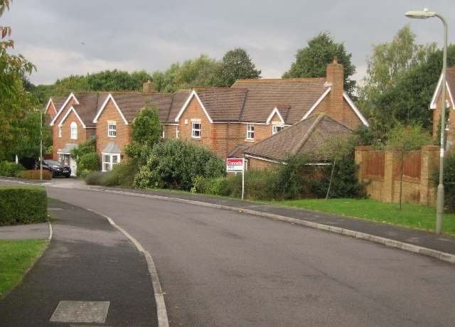 Houses along Redwing Road