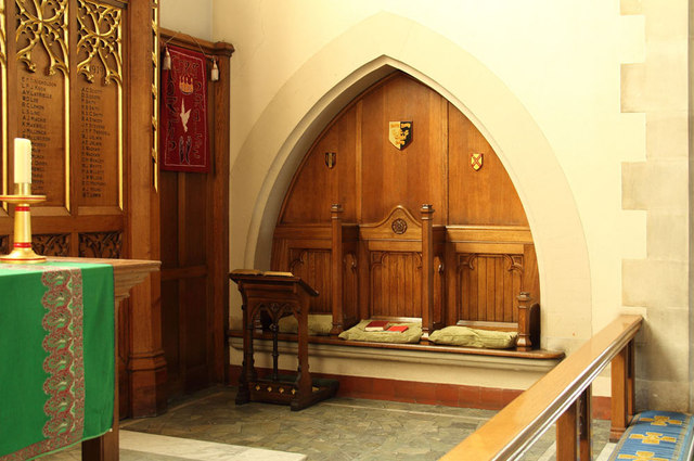 All Saints, Goodmayes - Sedilia